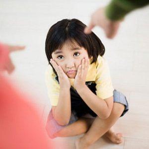 dạy trẻ kiềm chế sự ích kỷ